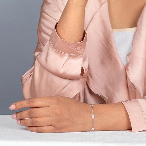 octo-bracelet-model-m