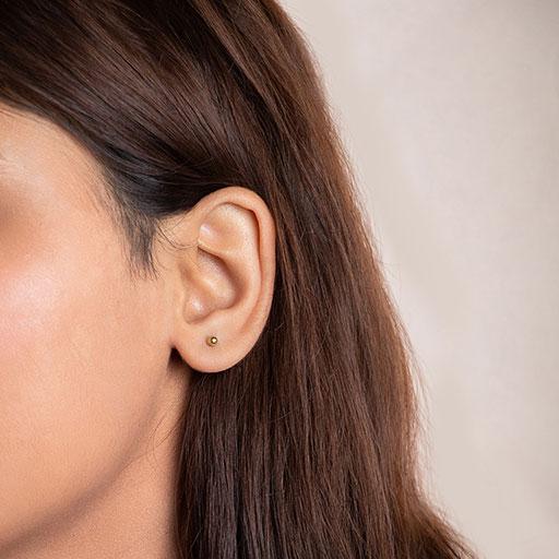 blossoming-bud-stud-earrings-model-m