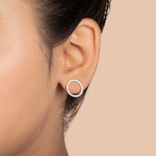 diamond-open-circle-stud-earrings-model