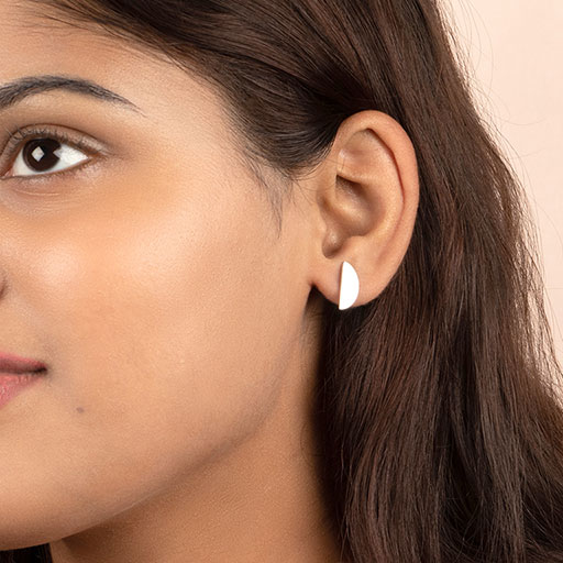 royal-half-stud-earrings-model-m