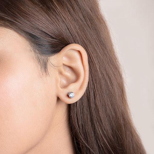 twinklet-stud-earrings-model-m