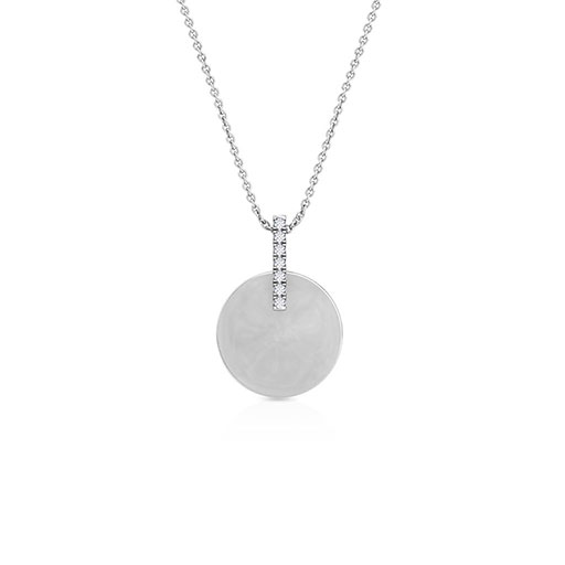 clutched-medal-pendant-white-gold-medium